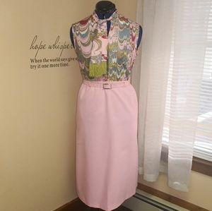 Vintage 1970s soft pink skirt w/belt